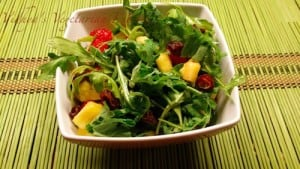 FruitsAndArugulaSalad