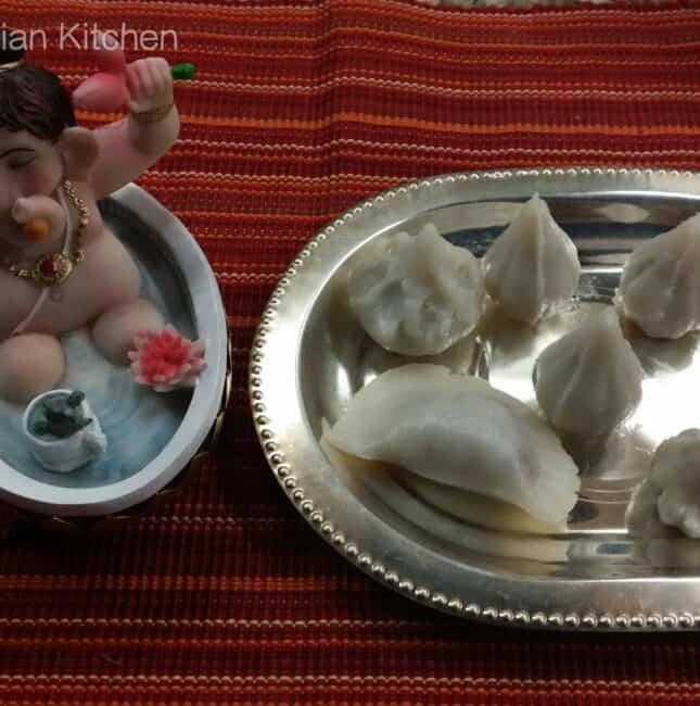 Coconut Jaggery filling Mothakam / Kozhukattai