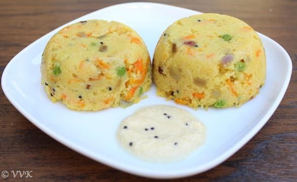 Rava Kichadi served with coconut chutney in a big white plate