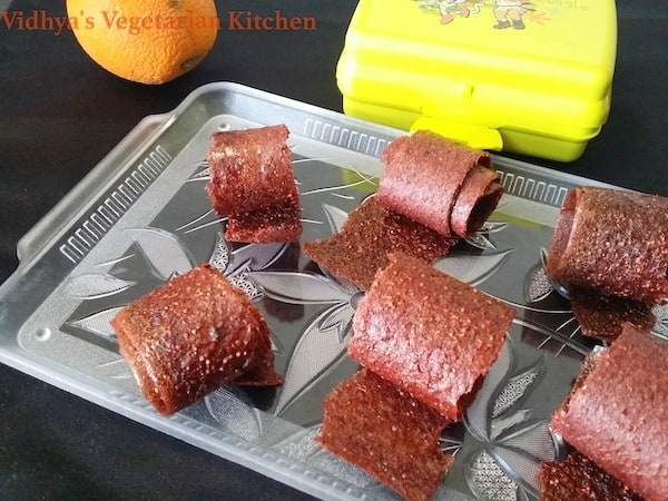 Baked Strawberry Dates Fruit rolls