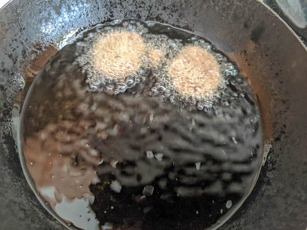 frying the murukku