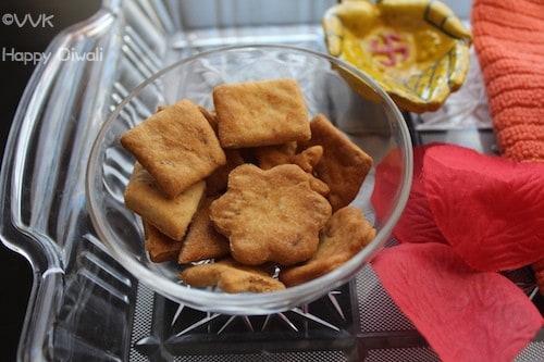 Baked Spicy Shankarpali/ Shankarpaale / Shankarpara