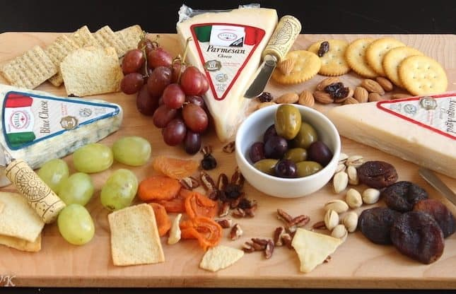 Perfect Cheese Board for this Holiday Season