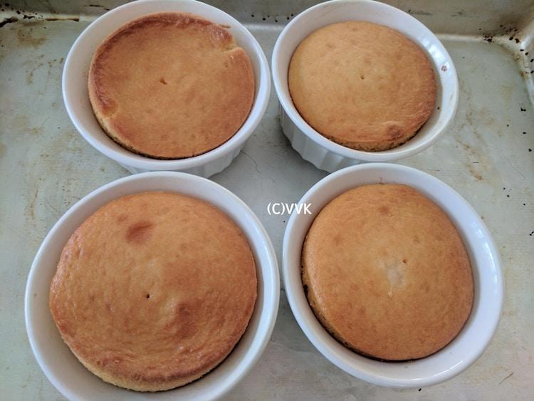 Baking four cakes in ramekins