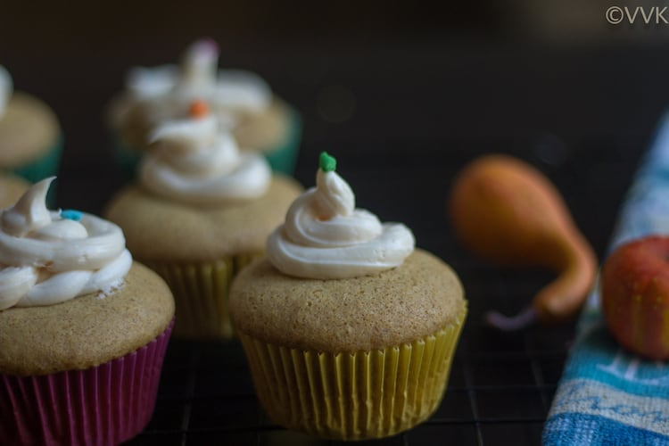 Delicious Eggless Pumpkin Pie Cupcakes to celebrate the holiday