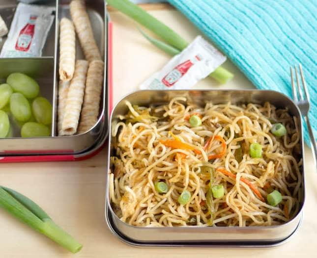 Hakka Noodles | Veg Hakka Noodles