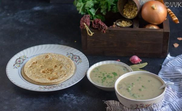 green peas kurma with roti
