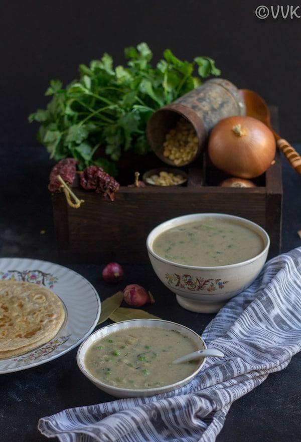 pachai pattani kurma in small bowls