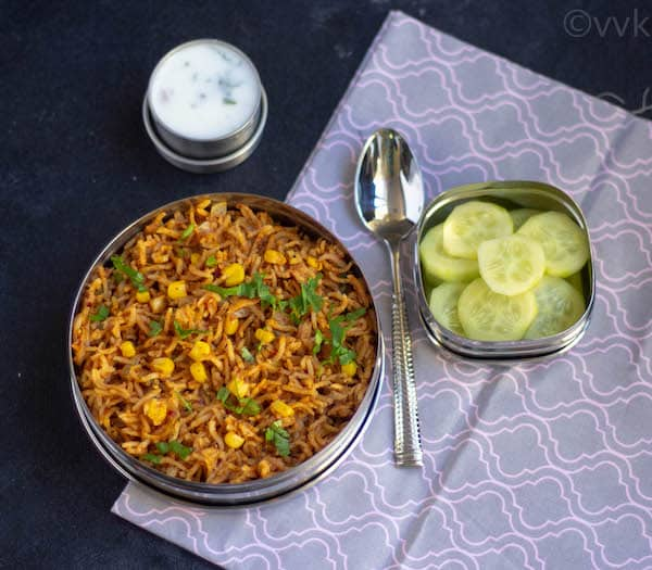 xacuti pulav with cucumber and raita