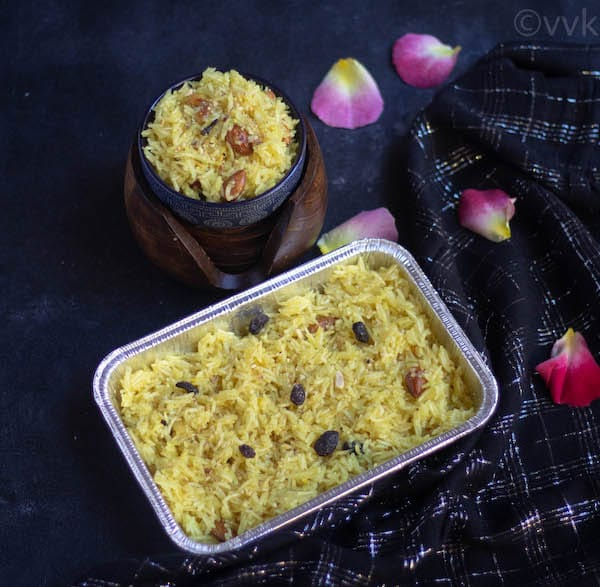 meetha chawal in a tray as a prashad