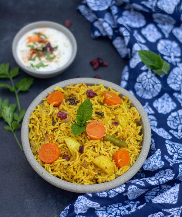 instant pot sindhi biryani in a ceramic bowl