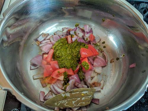 thalassery veg biryani adding masala