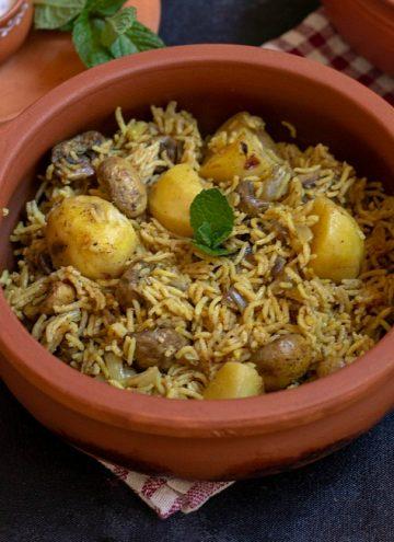 instant pot kolkata veg biryani in clay pot