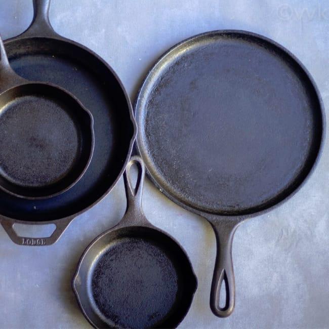 Cast iron pan seasoning