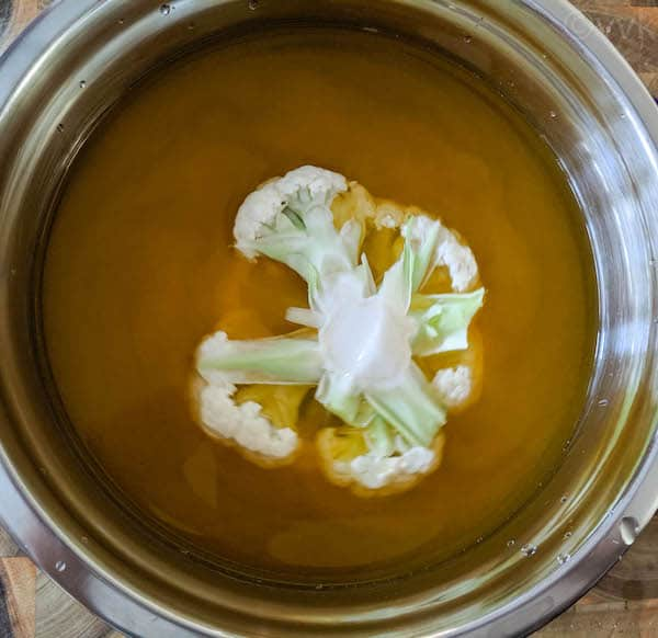 soaking cauliflower in turmeric water