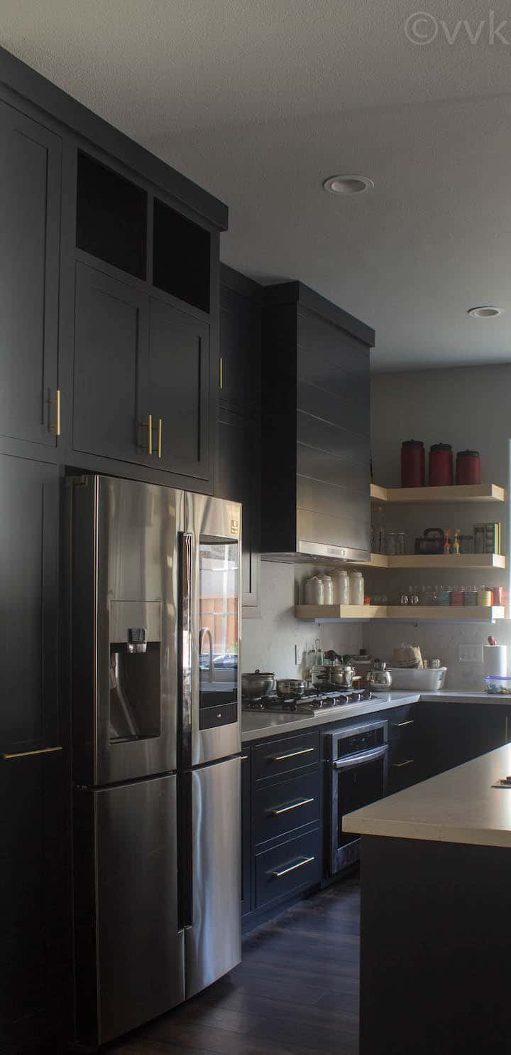side view of the full kitchen