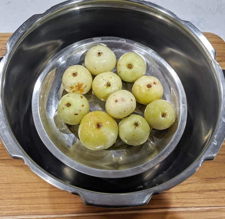 pressure cooking the gooseberries
