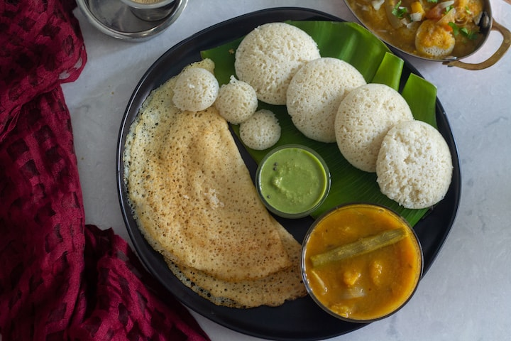 idli dosai served with chutney and sambar