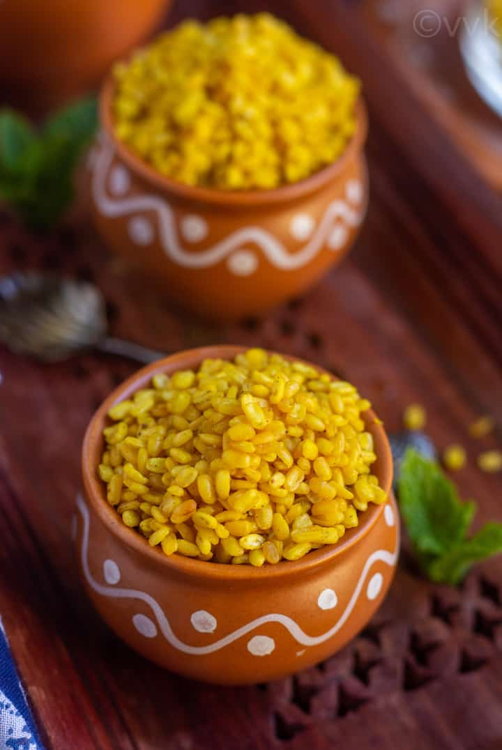 close up shot of moong dal namkeen in a kulhad cup