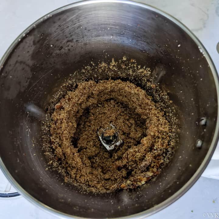 coarsely ground peanut chutney