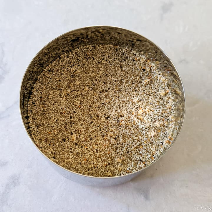 soaking poppy seeds and cashews