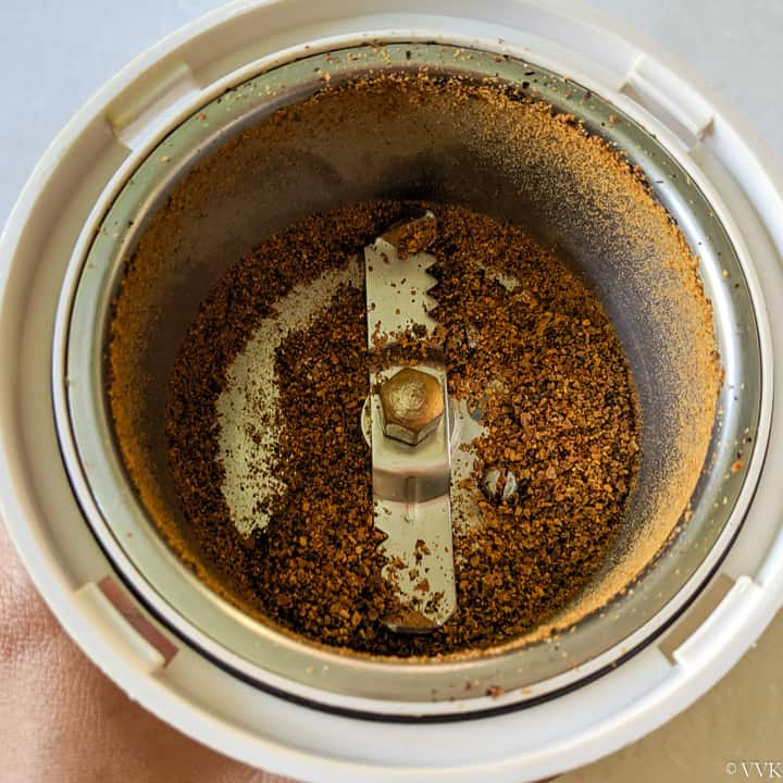 ground spice powder for thokku