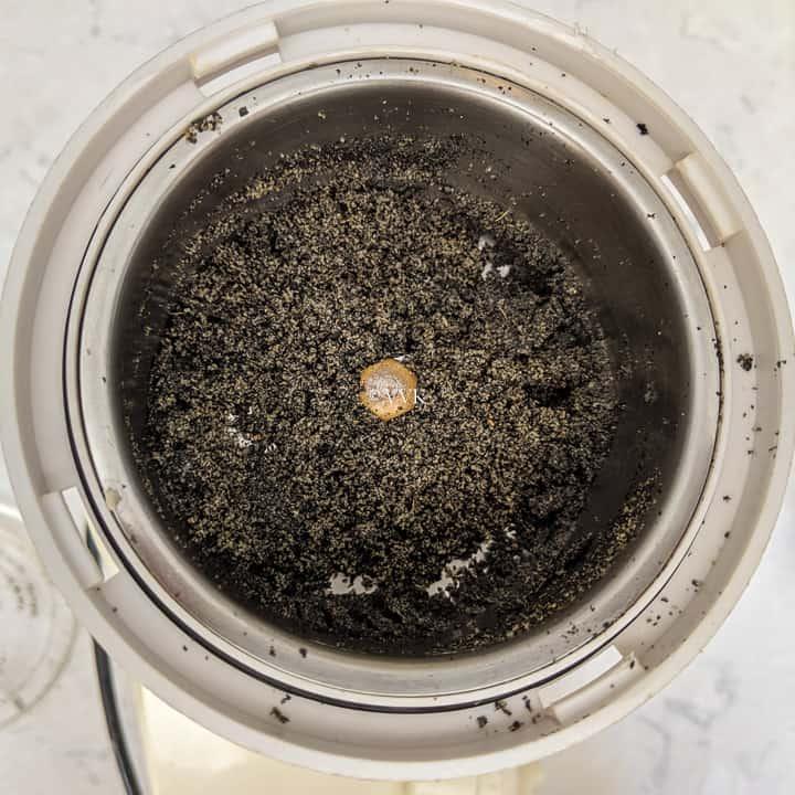 ground sesame seeds laddu