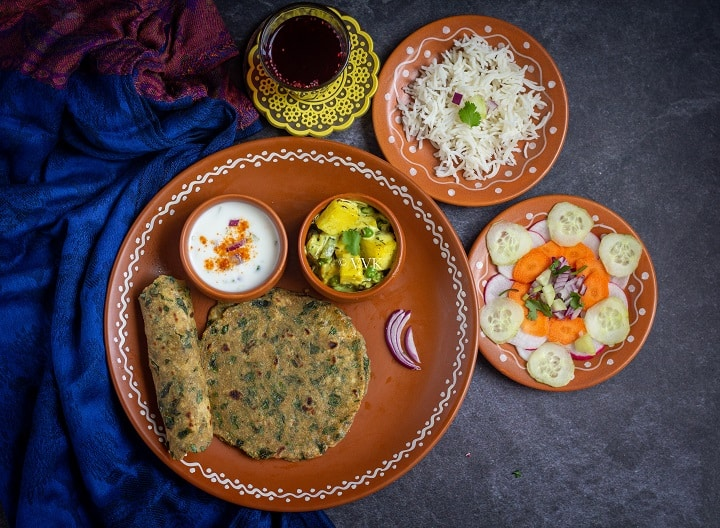 methi paratha lunch combo