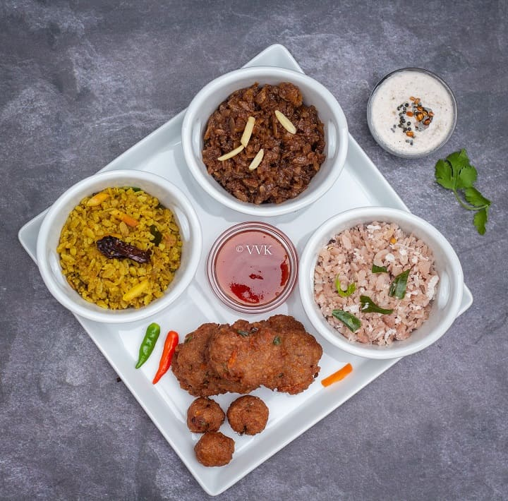 easy recipes with poha - upma, sweet and vadai served with chutney