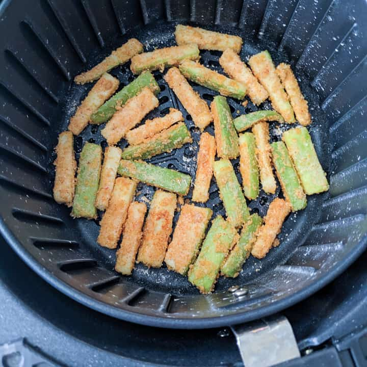 zucchini fries after 5 minutes of cooking