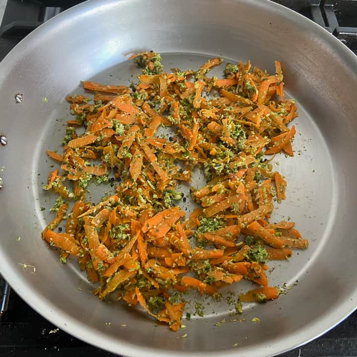 tempering and cooking the carrots