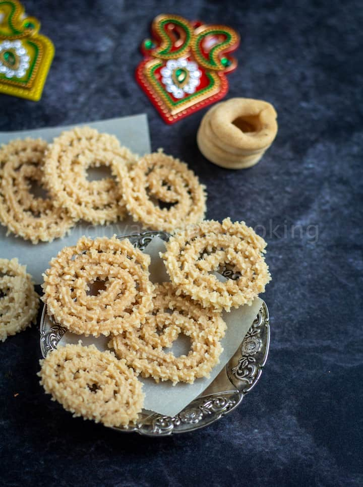 baked murukku and ring murukku
