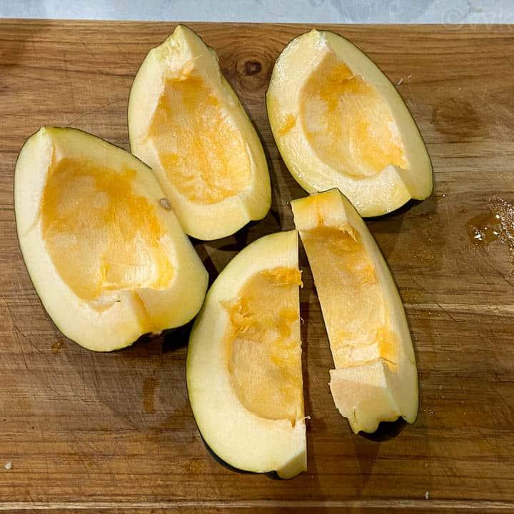 acorn squash cut into five slices