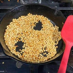 roasting the urad dal and mustard seeds