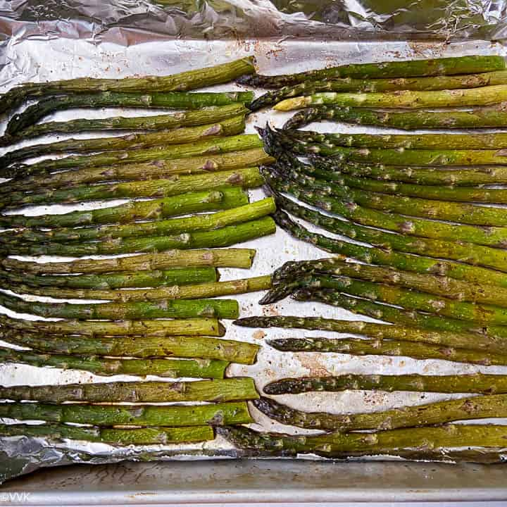 baked asparagus ready to be served