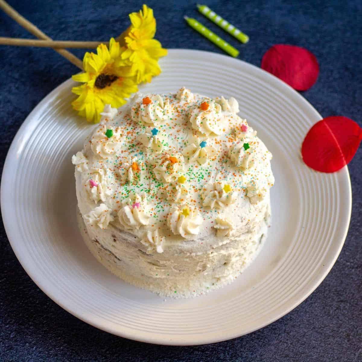Eggless Vanilla Sponge Cake Vidhya S Vegetarian Kitchen