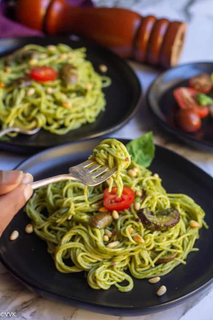 pesto pasta in fork