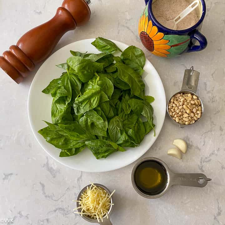 ingredients required for fresh basil pesto