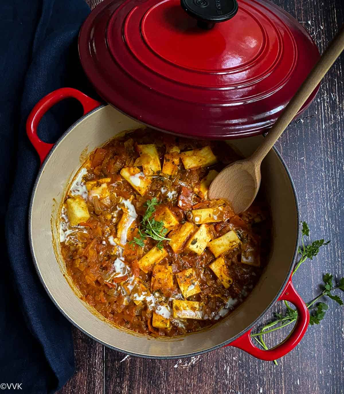 overhead shot of paneer curry with kolhapuri masala